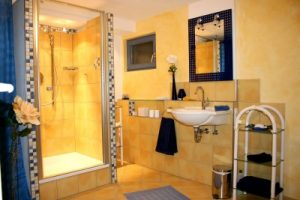clean bathroom after maid service in san diego